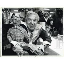 1987 Press Photo Buffalo Bob Smith and Howdy Doody visit Lechmere Store