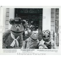 "1981 Press Photo Fozzie Bear and Kermit The Frog in ""The Great Muppet Caper"""