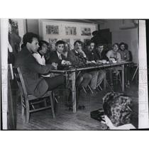 1968 Press Photo Press conference at Arlington Church Awol William chase