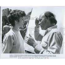 "1975 Press Photo ""Unknown Actor/Actress in Columbia Pictures Movie Scene"""