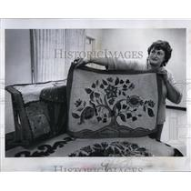 1983 Press Photo Rug Maker Sarah Paddock holds up one of the rugs she made