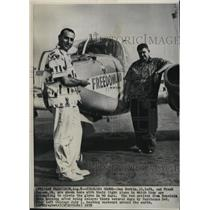 1959 Press Photo Dan Sorkin and Frank Hansen try flight around the globe