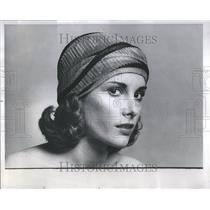 1975 Press Photo Fashionable Turban - RRR90573