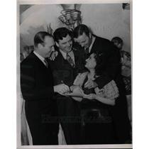 1938 Press Photo Red Ruffing, Jim Braddock, Monte Pearson, Katherine Werz