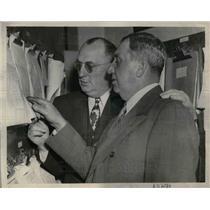 1944 Press Photo Braves Coach Tom Sheehan, Boston Nine Manager Bob Coleman