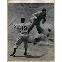 1944 Press Photo Phillies Outfielder Ron Northey Slides Home Safe Under Mueller