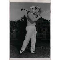 1938 Press Photo Joe Medwick, St. Louis Cardinals Outfielder Golfs - nea07209