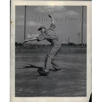 1939 Press Photo Chet Tarnacki Pitcher for Bendix Braves