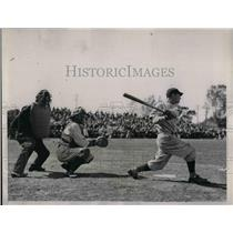1936 Press Photo Senators B Myers, Tigers catcher Hayworth, ump Oemsby