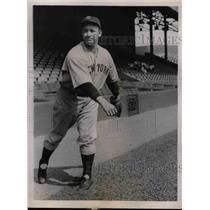 1930 Press Photo Irving Bump Hadley Pitcher New York Yankees MLB Baseball Player
