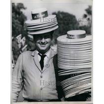 1938 Press Photo Fan Selling LA Dodgers Sun Hats