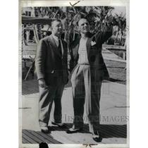 1942 Press Photo Brooklyn Dodger Mgr. Leo Durocher with Chuck Dressen,