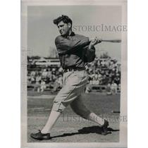 1938 Press Photo Ben Chapman working out in Spring Training Camp