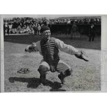 1934 Press Photo Yankees Catcher Arndt Jorgens At Training Camp