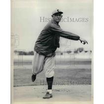 1934 Press Photo Larry Benton pitching for NY Giants