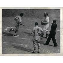 1941 Press Photo Creepy Crespi St. Louis Cardinals Kemp Wicker Brooklyn Dodgers
