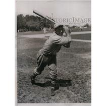 1934 Press Photo St. Louis Outfielder Butler Millis During Training In Florida