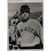 1935 Press Photo Wayne Osborne, Rookie Pitcher - nea02323
