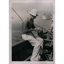 1937 Press Photo Yankee Ardnt Jorgens Fishing In Gulf of Mexico