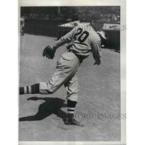 1935 Press Photo Robert Brown of the Phillies at spring camp in St. Petersburg