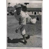 1939 Press Photo Boston Bees rookie pitcher Albert Hazel