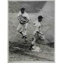 1934 Press Photo Giants Trim Dodgers Brooklyn Hank Lieber Giants center fielder