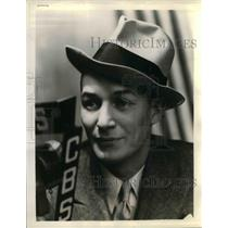 1935 Press Photo Fred Husing, CBS Sportscaster Announcer and  TV Reporter.