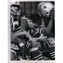 Press Photo Dallas Cowboys, Van Roarhorst on the bench - nea07915