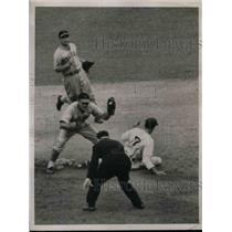 1937 Press Photo Burgees Whitehead of Giants out at 2nd with Meyers. - nea08352
