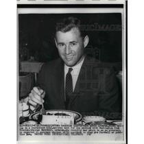 1960 Press Photo Redskins Quarterback Eddie LaBaron To Meet With President