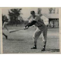 1940 Press Photo Cleeveland Indians, Beau Bell at bat - nea12323
