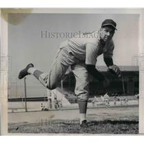 1939 Press Photo Cinncinati Reds pitcher Jim Weaver - nea08967