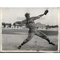 1935 Press Photo Reds Pitcher Eugene Scott At Training Camp - nea10681