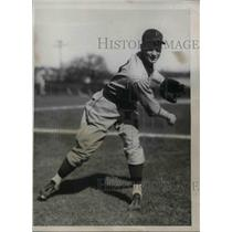 1934 Press Photo Darrell Blanton,pitcher for Pirates - nea08101