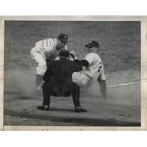 1945 Press Photo Lewis Washington Right fielder - nea12440