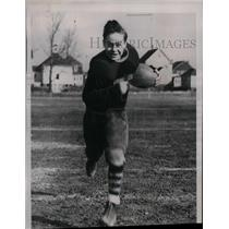 1937 Press Photo High School Football Player Harvard Yale Brown On Field