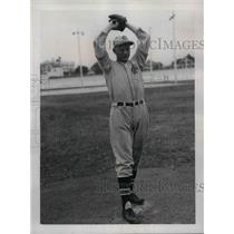 1937 Press Photo Lloyd Moore, Pitcher of Cincinnati Reds, during training Camp.