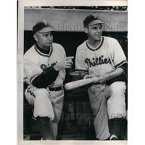 1949 Press Photo Phillies Dick Sisler and mgr Eddie Sawyer