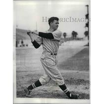 1937 Press Photo Lewis Riggs 3rd baseman for Cincinnati Reds - nea11947
