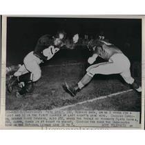 1940 Press Photo Washington Redskins Pete Stout Tackles Chicago Cardinals