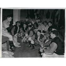 1944 Press Photo Mgr. Ossie Bluege of Washington gives his squad a pep talk.