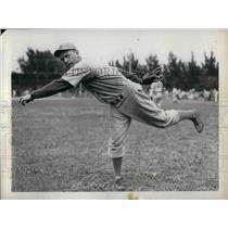 1937 Press Photo William Perrin, Pitcher for the Boston Bees - nea06185