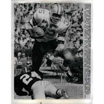 1969 Press Photo Cowboys RB Calvin Hill vs Saints Elijah Nevitt - nea18504