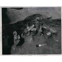 1948 Press Photo Excavations of Former Indian Village Saline County - nea24192