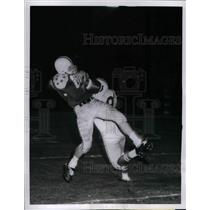 1959 Press Photo Dick Kreitling fumles pass, Jim Carr, Colts, breaks up pass