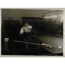 1927 Press Photo B.R. Hughes in  Amateur Billiard Championship in Washington.