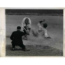 1944 Press Photo William Hersteck Pittsburgh & Jim Enirght St Louis