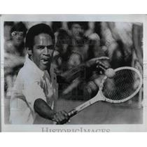 1974 Press Photo O. J. Simpson playing tennis