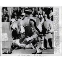 1972 Press Photo Patriots Jim Cheynuski vs Bills Jim Braxton