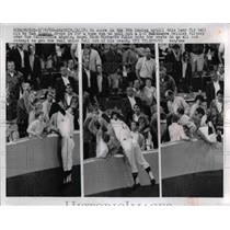 1966 Press Photo California Angel Rick Richardt Fails to Catch Fly Ball